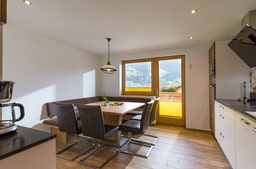 Top 2 - spacious kitchen ©Hannes Dabernig